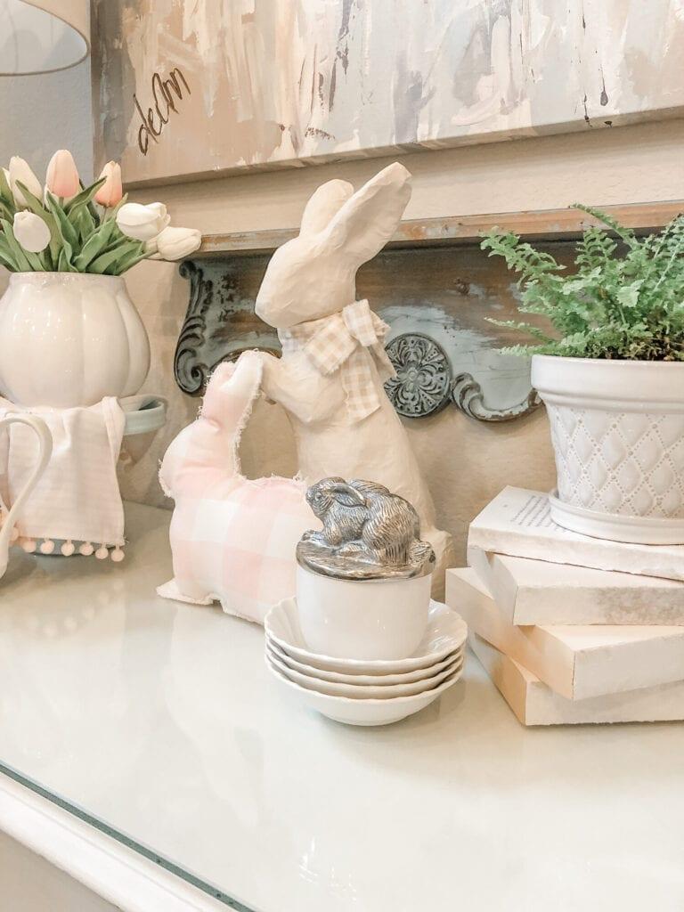 Bunny Spring Home Decor from Live Oak Nest www.liveoaknest.com