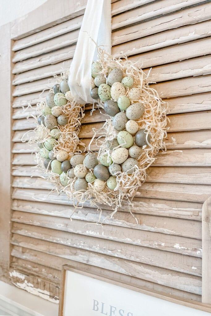 Speckled Egg Wreath DIY from Live Oak Nest www.liveoaknest.com
