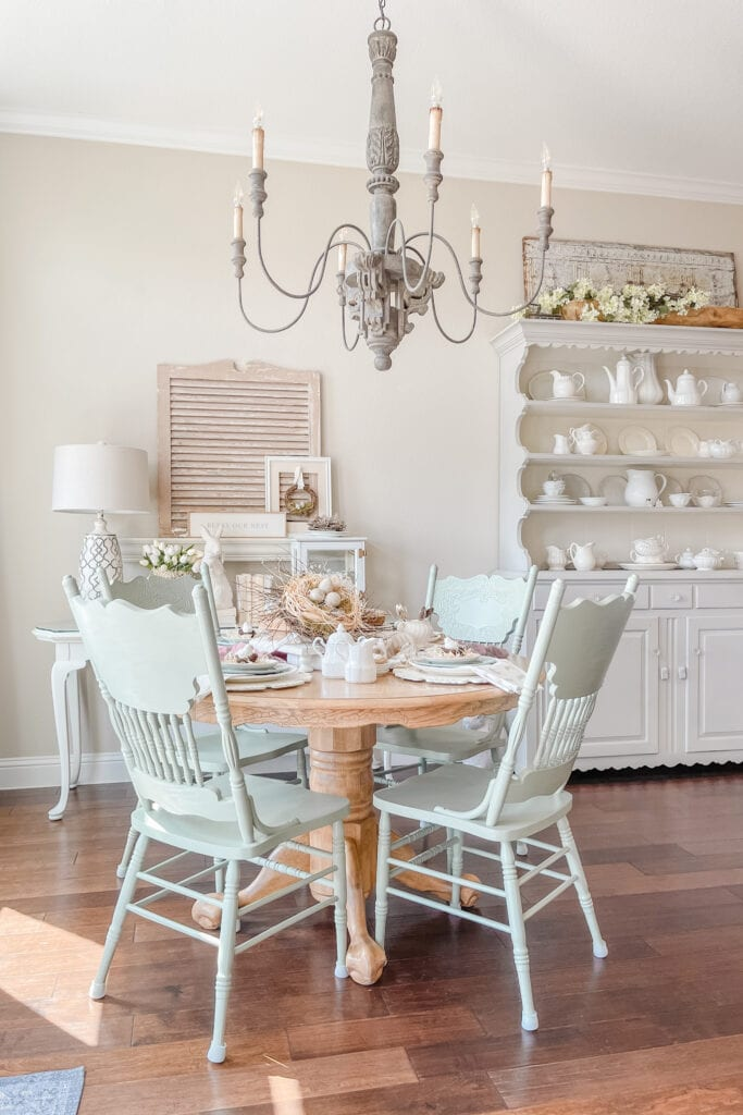 French Cottage Farmhouse Spring Home Tour, Cottage Farmhouse Dining Room, French Country Chandelier, French Country Hutch, Antique Shutter Decor, Spring Dining Table Decor from Live Oak Nest www.liveoaknest.com