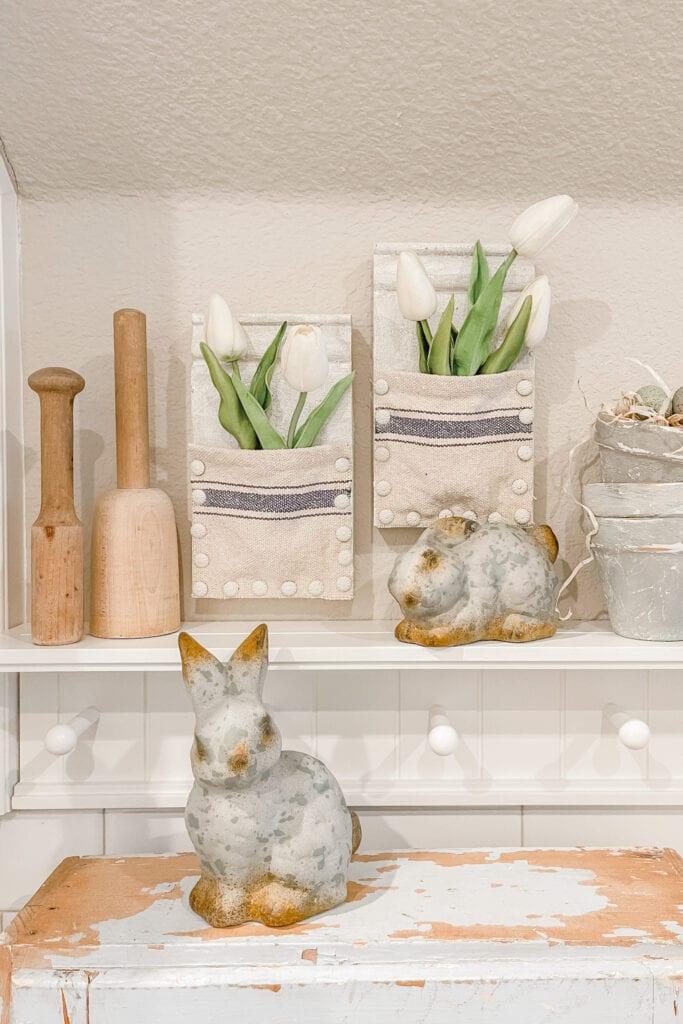 Wood Wall Pocket DIY, Spring Vase DIY, Spring Home Decor DIY Ideas from Live Oak Nest www.liveoaknest.com