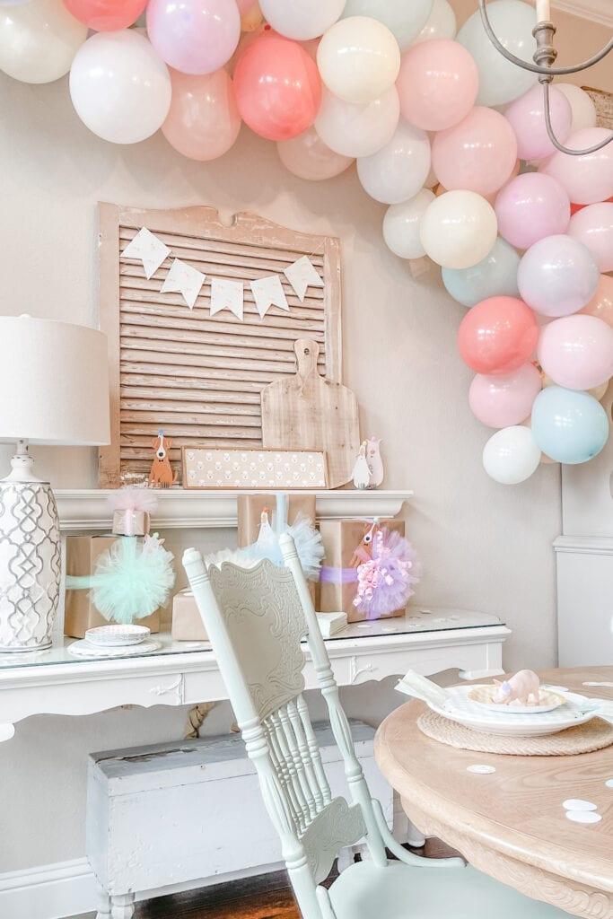 How to make a balloon arch, Party Animal Theme Party Ideas, Farm Animal Party, Twin Birthday Party, Boy Girl Birthday Party, BG Birthday Party from Live Oak Nest