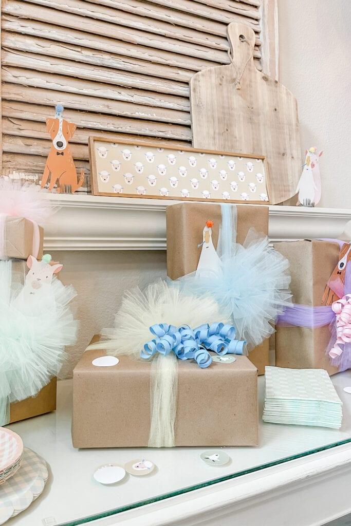 Gift wrapping ideas, Party Animal Theme Party Ideas, Farm Animal Party, Twin Birthday Party, Boy Girl Birthday Party, BG Birthday Party from Live Oak Nest