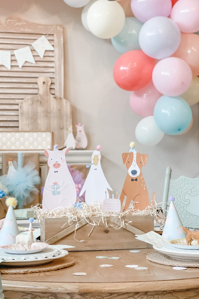 Farm Party Animal table Centerpiece, Party Animal Theme Party Ideas, Farm Animal Party, Twin Birthday Party, Boy Girl Birthday Party, BG Birthday Party from Live Oak Nest