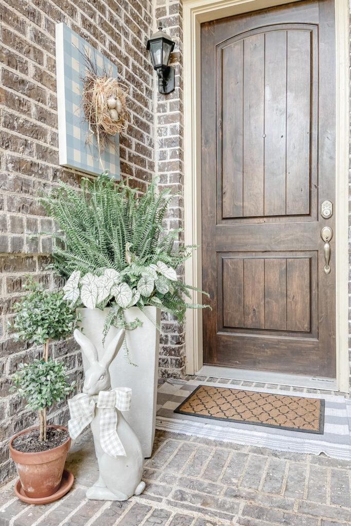 Live Oak Nest French Cottage Farmhouse Porch Refresh with Flower Pot Makeover