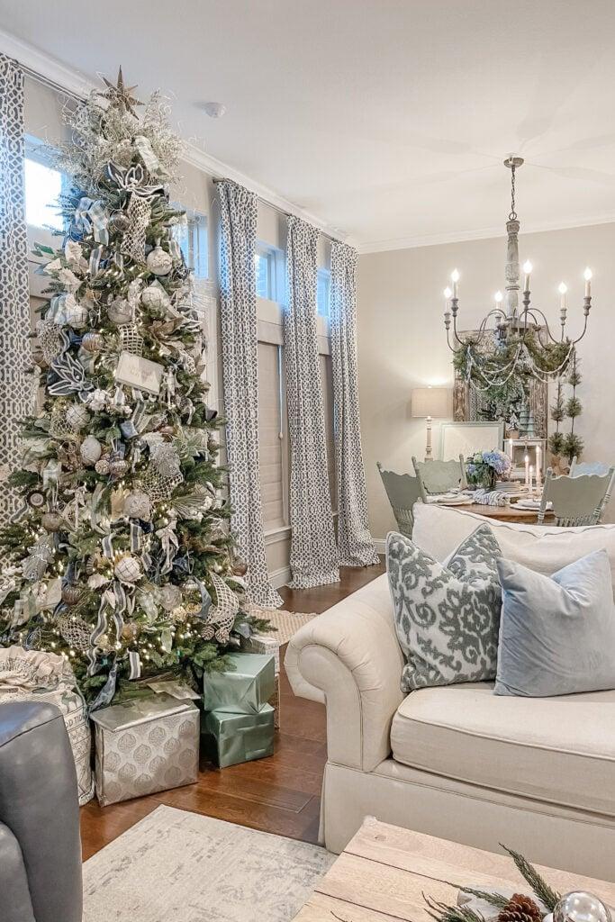 DIY Christmas Ornaments, Pretty Christmas Decor, Blue Christmas Decorations, DIY Christmas Crafts