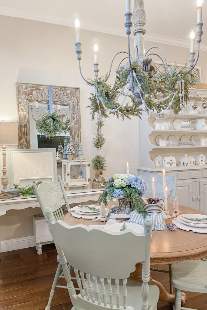 Chritmas Table, Winter Tablescape, Winter Chritmas Table Decor from Live Oak Nest, French Cottage Farmhouse